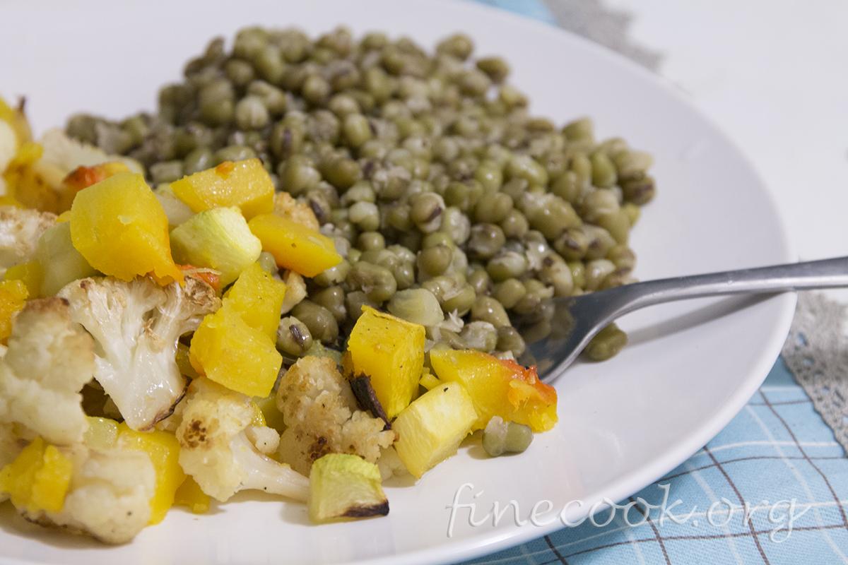 Маш с запечёнными овощами